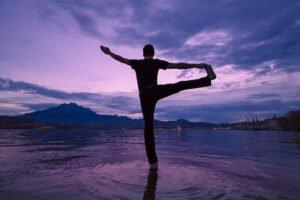 Yogapostkarte vom Luzerner Quai