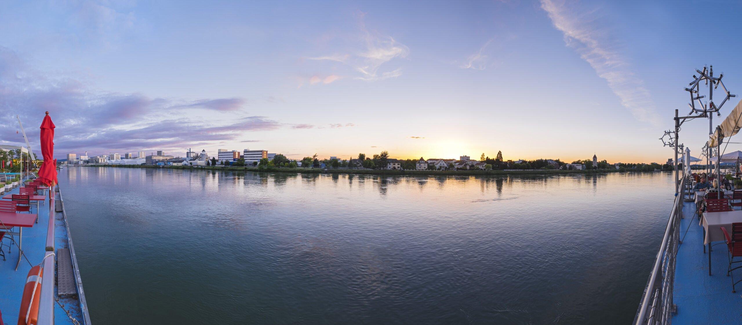 Am Basler Rhein