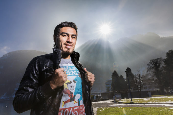 FCL Spieler Dario Lezcano im Sonnenlicht in Hergiswil